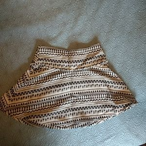 NWT Banana Republic skirt with movement!